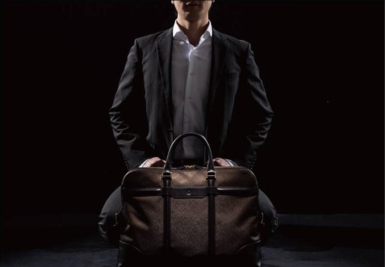 榮伸初のビジネスバッグブランドVRENAIをリリース